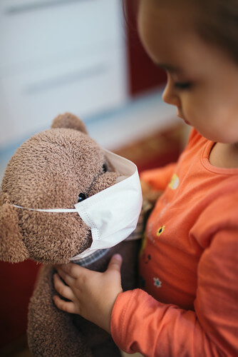 Kids and Face Coverings  – Does it Hurt Their Mental Health?
