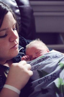 what is postpartum psychosis